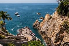 Plongeurs de falaise de Quebrada Acapulco de La photo stock