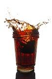 Plons in glas kola met citroen Royalty-vrije Stock Afbeeldingen