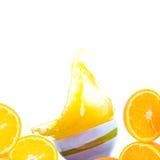 Plonsen van jus d'orange Stock Afbeelding