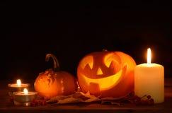 Plot-o-lanterne effrayante de potirons de veille de la toussaint images libres de droits