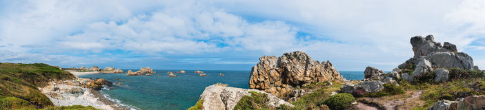 Plougrescant海滩全景 库存图片