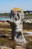 PLOUGUERNEAU,法国- 7月06:在Korejou港口的雕象在Plouguerneau, 2016年7月06日 免版税库存图片