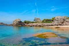Ploumanach,桃红色花岗岩海岸, Perros Guirec,法国 库存照片