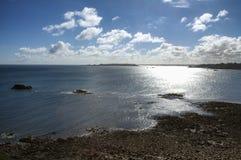 Ploumanach (Βρετάνη) και Ατλαντικός Ωκεανός Στοκ Φωτογραφία