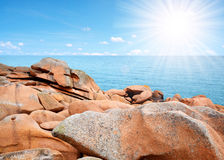 Ploumanach, ρόδινη ακτή γρανίτη στη Βρετάνη Στοκ Εικόνες