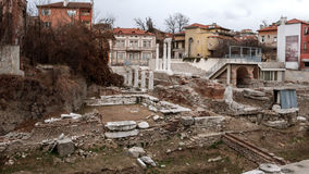 PLOVDIV, BULGÁRIA - 30 DE DEZEMBRO DE 2016: Ruínas de Roman Odeon na cidade de Plovdiv Imagem de Stock