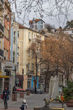 PLOVDIV, BULGARIE - 30 DÉCEMBRE 2016 : Chambres et rue de marche dans la ville de Plovdiv Photos stock
