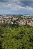 PLOVDIV, BULGARIJE 11 JUNI, 2017: Verbazend Panorama van stad van Plovdiv van de heuvelheuvel van Bunardzhik tepe van libertadors Stock Afbeelding