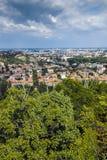 PLOVDIV, BULGARIJE 11 JUNI, 2017: Verbazend Panorama van stad van Plovdiv van de heuvelheuvel van Bunardzhik tepe van libertadors Stock Foto's