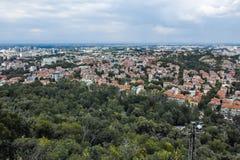 PLOVDIV, BULGARIJE 11 JUNI, 2017: Verbazend Panorama van stad van Plovdiv van de heuvelheuvel van Bunardzhik tepe van libertadors Stock Afbeeldingen