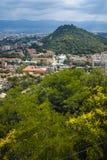 PLOVDIV, BULGARIJE 11 JUNI, 2017: Verbazend Panorama van stad van Plovdiv van de heuvelheuvel van Bunardzhik tepe van libertadors Stock Fotografie