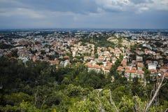 PLOVDIV, BULGARIJE 11 JUNI, 2017: Verbazend Panorama van stad van Plovdiv van de heuvelheuvel van Bunardzhik tepe van libertadors Stock Foto