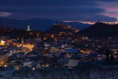 Plowdiw, Bulgarien bei Sonnenuntergang - Panoramablick lizenzfreies stockfoto
