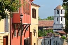 PLOWDIW, BULGARIEN - 31. JULI 2015: Bunte traditionelle Häuser in der alten Stadt von Plowdiw Stockfotografie
