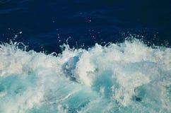 Pluśnięcia morza fala z rozpyla i piana Obraz Royalty Free