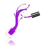 Pluśnięcia purpurowy gwoździa połysk marznęli w ruchu na bielu Fotografia Royalty Free