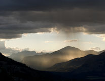 Pluie au coucher du soleil Images libres de droits