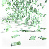 Pluie d'argent de 100 euro factures Photo stock