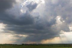 Pluie de nuage Photo libre de droits