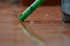 Pluie tombant sur la terrasse Image libre de droits