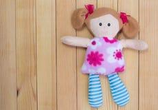 Pluizig, het stuk speelgoed van een mooi meisje Royalty-vrije Stock Fotografie