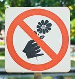 Pluk geen bloemen Stock Foto's