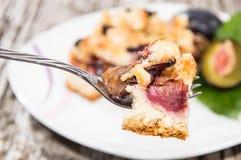 Plum Cake auf einer Gabel Lizenzfreies Stockbild