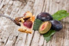 Plum Cake en una bifurcación Imagenes de archivo