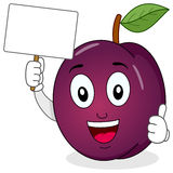 Plum Character Holding un'insegna in bianco Immagine Stock