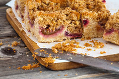 Plum Crumble-Kuchen Stockfoto