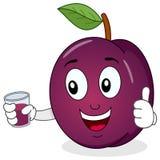 Plum Holding en ny sammanpressad fruktsaft Royaltyfri Bild