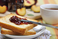 Plum jam with toast Royalty Free Stock Photos