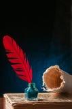 Pluma de canilla y hoja del papiro Fotos de archivo