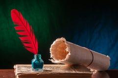 Pluma de canilla y hoja del papiro Imagenes de archivo