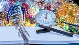 Pluma en el diario del ` s del Año Nuevo Foto de archivo libre de regalías