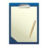 Pluma en una hoja de papel blanca Imagen de archivo libre de regalías