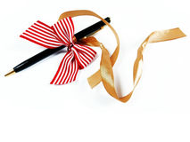 Pluma sólida como cierre del regalo para arriba Fotos de archivo libres de regalías