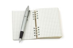Pluma y cuaderno de notas imágenes de archivo libres de regalías