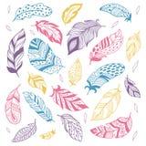 Plumas tribales Silueta étnica de la pluma, cambio de paso de pájaros y sistema aislado pluma exhausta del ejemplo del vector de  stock de ilustración