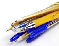 Plumas y lápices Imagen de archivo libre de regalías