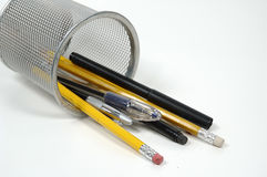 Plumas y lápices foto de archivo