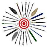 Plumas y objetivo de los lápices a la blanco Periodistas de los escritores noticia Imagen de archivo libre de regalías