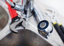 plumling γαλλικό κλειδί καταβ&omic Στοκ Εικόνες