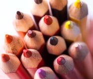 Plurity των πολύχρωμων μολυβιών Στοκ φωτογραφία με δικαίωμα ελεύθερης χρήσης