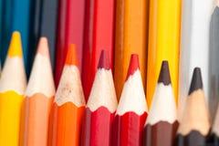 Plurity των πολύχρωμων μολυβιών Στοκ φωτογραφίες με δικαίωμα ελεύθερης χρήσης