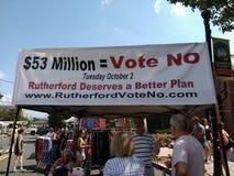 Plus d'augmentations d'impôts, ne votent non, référendum, le Rutherford, NJ, Etats-Unis photos libres de droits