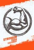 Plus fortement qu'hier bras de biceps Citation de motivation de sport de séance d'entraînement et de forme physique Affiche créat Images libres de droits