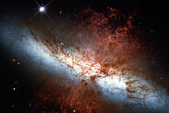 82 plus malpropres, galaxie de cigare ou M82 dans la constellation Ursa Major Photographie stock libre de droits