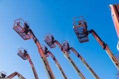 Plusieurs ascenseurs de plate-forme Images stock