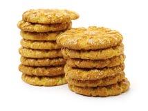 Plusieurs biscuits sablés mouthwatering avec les graines de sésame image stock